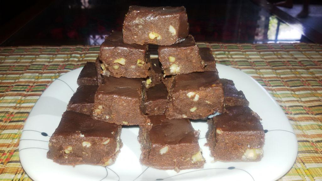 Easy Chocolate Walnut Fudge (Burfi)