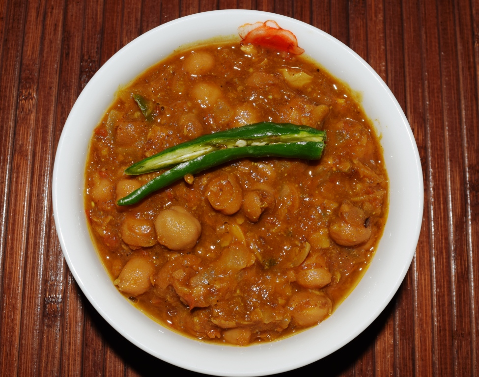 Chatpate Chole (Spicy Chickpeas in Gravy)