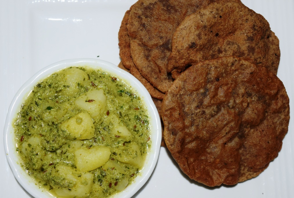 Singhara Atta Poori with Potatoes gravy