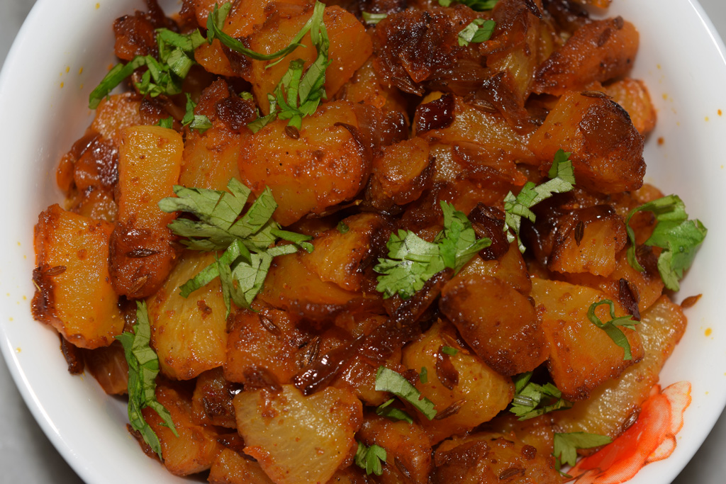 Stir fried Turnips (Shalgam ki sabzi)