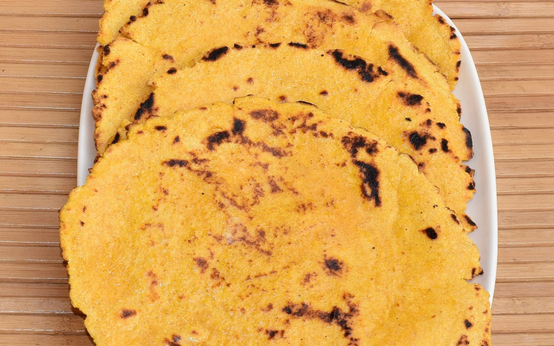 Makki Ki Roti (Unleavened Cornmeal Flatbread)