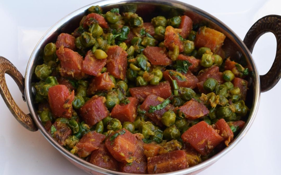 Gajar Matar ki Sabzi | Simple and easy Indian style carrots and peas stir fry